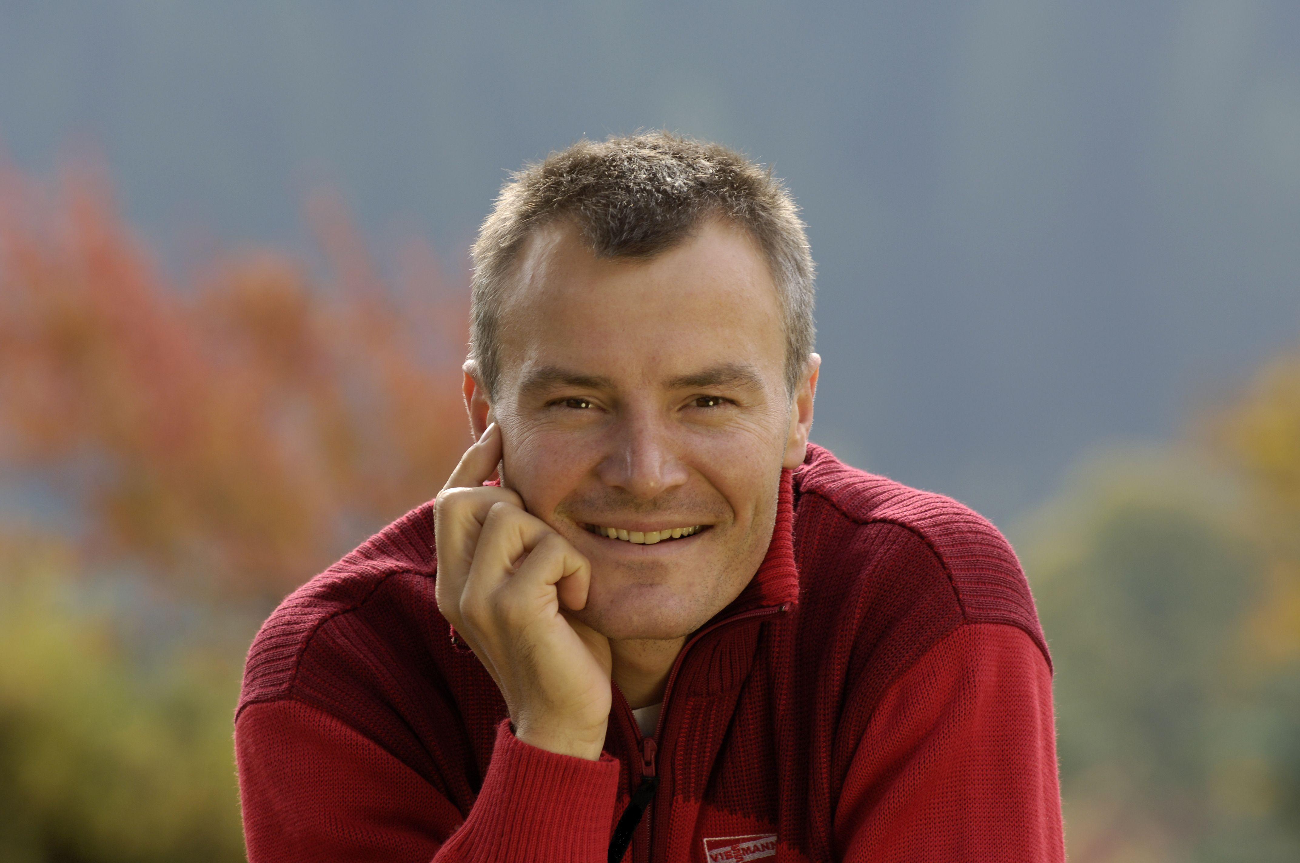 Sven Fischer salary
